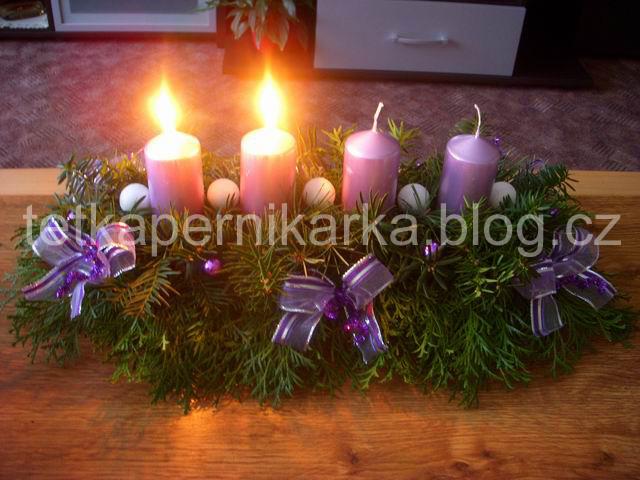 Vanocni_dekorace_se_svickami_00